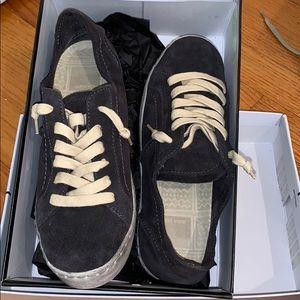 NEW Dolce Vita Zalen Anthracite Suede Sneaker